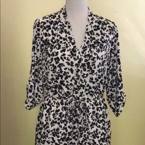 Cute snow leopard print shirt dress in medium